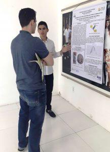 Apresentação de banner do mestrando Thiago Angelino dos Santos